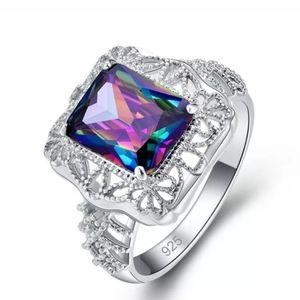 🆕 Gorgeous mystic topaz ring 💍